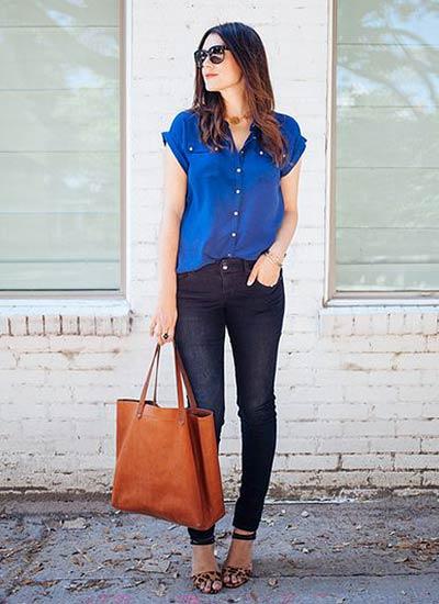 半そでブルーシャツ×デニムのコーデ