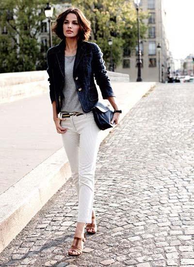 ネイビージャケット×白パンツ ...