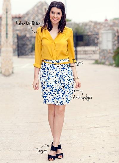 イエローシャツ×花柄スカートのコーデ