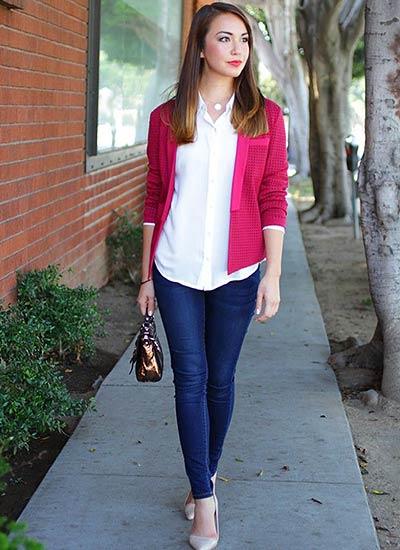 白シャツとジーンズ+ピンク ...