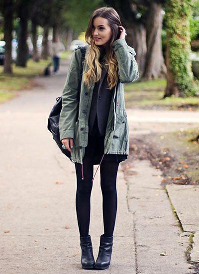 この秋・冬の流行スタイル「ミリタリーコーデ」を楽しみたい女子大学生の方にぴったりな、ミリタリーコート×スカートの可愛いミリタリーカジュアルコーデ。